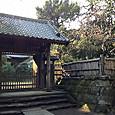 寿福寺内側の山門