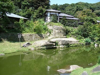 虎頭岩の池